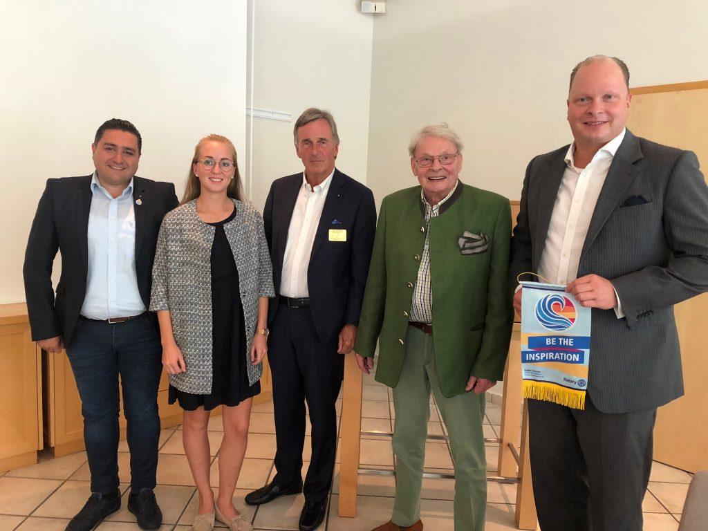 Franzi und unsere Rotarier um Werner Efing.